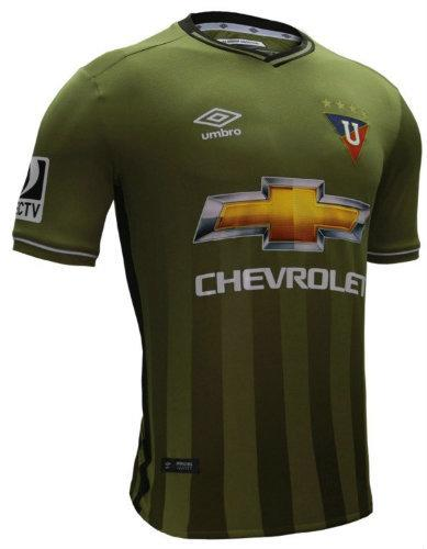 La camiseta del Sporting Cristal es escogida como una de las más ... 45989f173df69