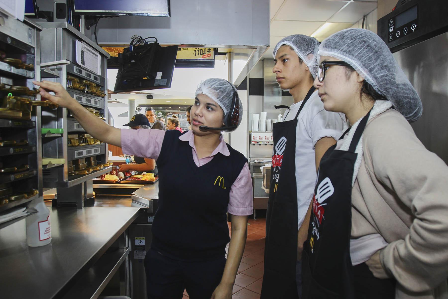 McDonald's abre sus puertas para acabar con los mitos de los 'haters'